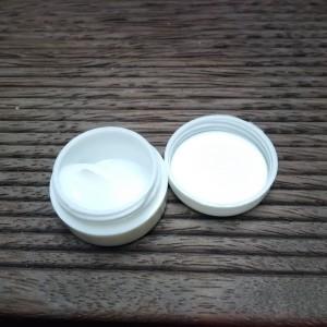 cream iritasi